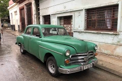 Green car in Habana centro