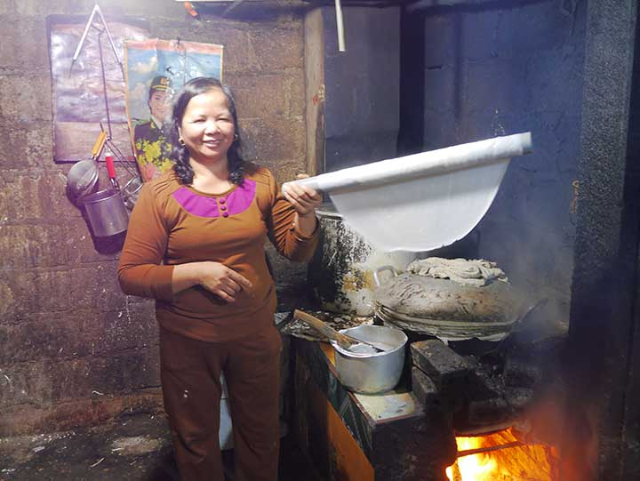 Lady making phó