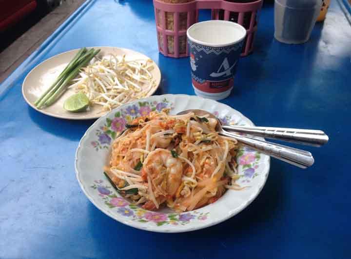 Pad thai koong